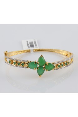American Diamond and Emerald Bracelet Dancing Stones