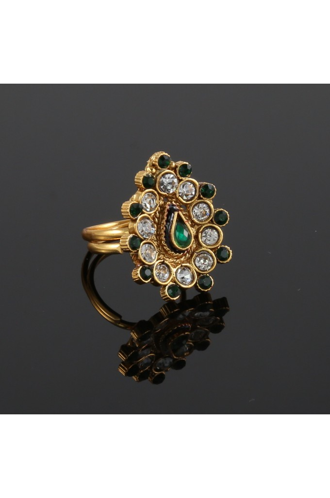 Antique Finger ring with White and Green Stones