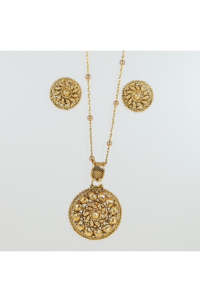 Traditional Antique Gold Pendant Set